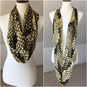 Accessories - Snakeskin patterned chiffon-like circle scarf